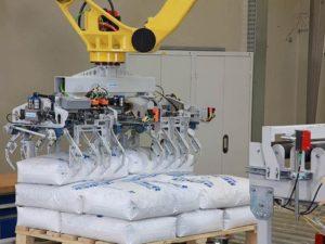Beumer robotic palletizer