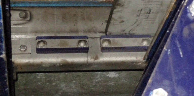 Internally Lubricated Polymer Blade Supports